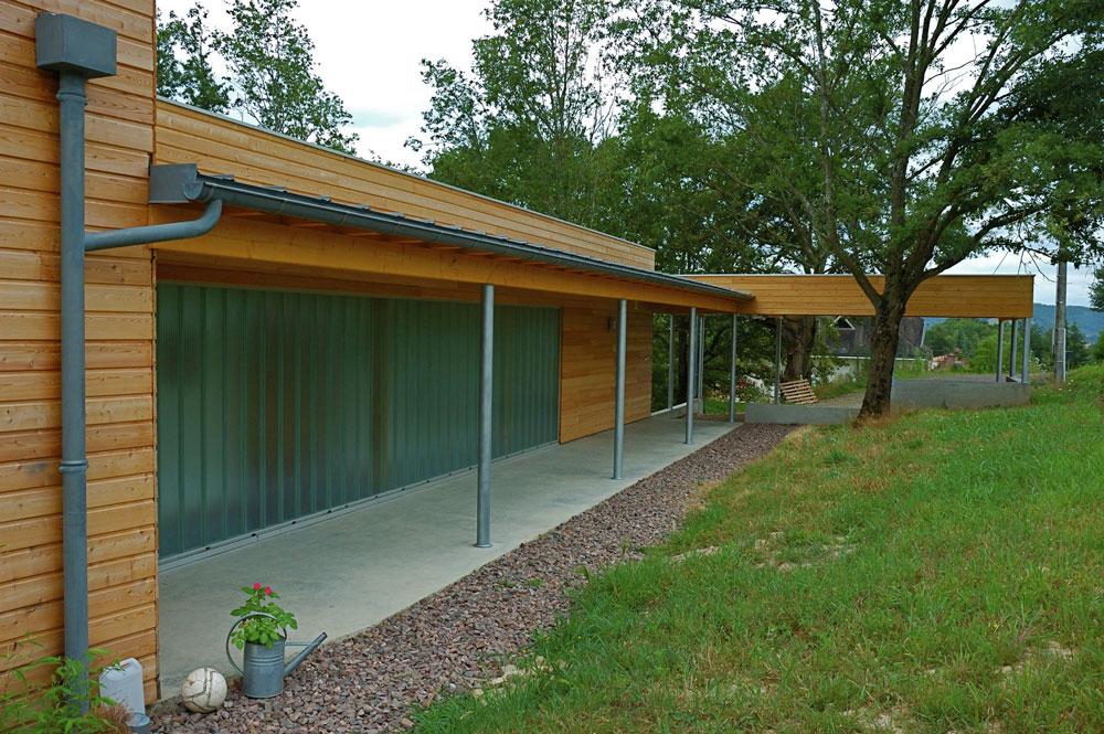 maison-bois-avancee-toiture