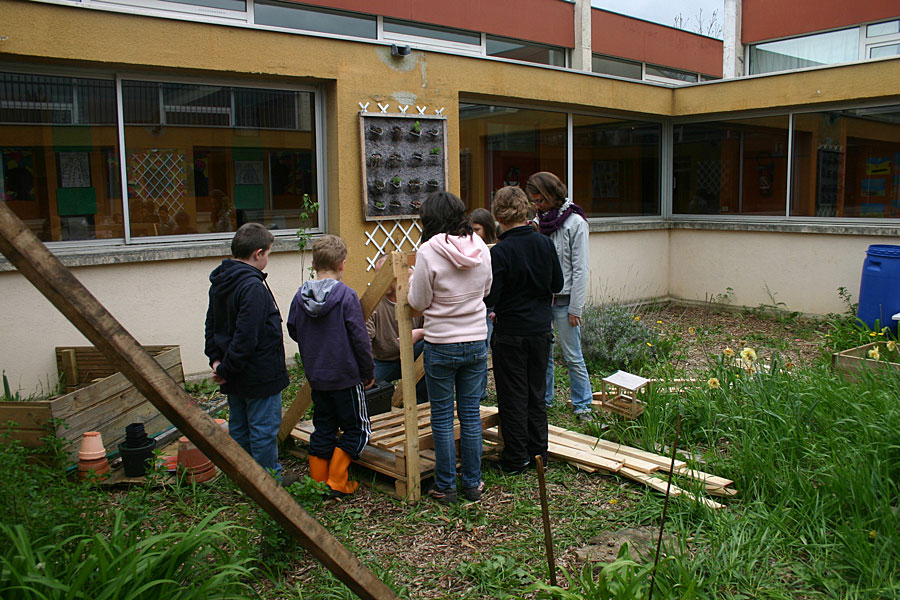 patio-ecole-tricot-animation-caue-aveyron