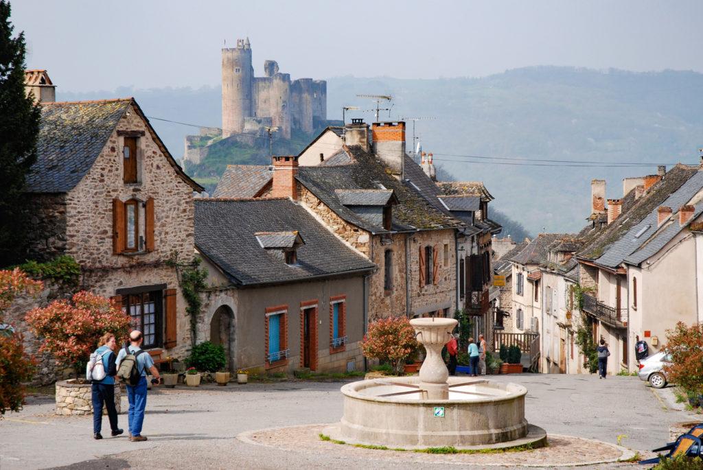 najac-village-paysage